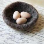Small Wool Nest and Natural Wood Eg..