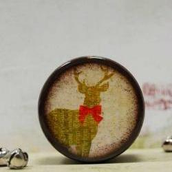 Buck with Bow Pill Box